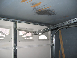 Garage door houston 24 hr garage door repair services for Garage door repair dickinson tx